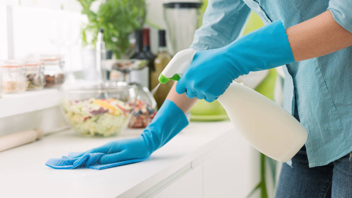 The 9-to-5er's Guide to Keeping A Clean House